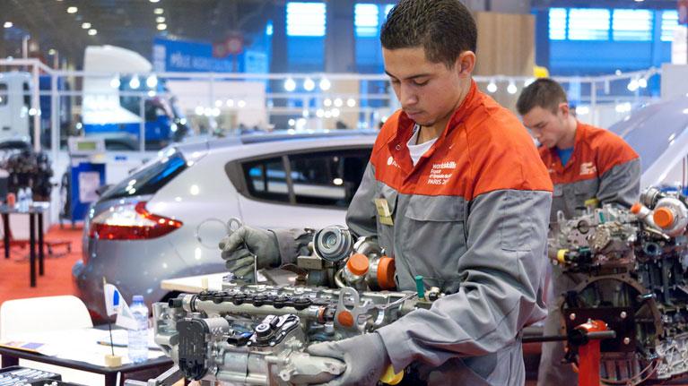 La débil recuperación del mercado laboral juvenil exige una respuesta radical